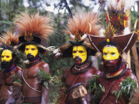 PAPUA NEW GUINEA - 1996/01/01: New Guinea Highlands, Near Tari, Huli Dancers With Ceremonial Wigs, Bird Of Paradise Feathers. (Photo by Wolfgang Kaehler/LightRocket via Getty Images)